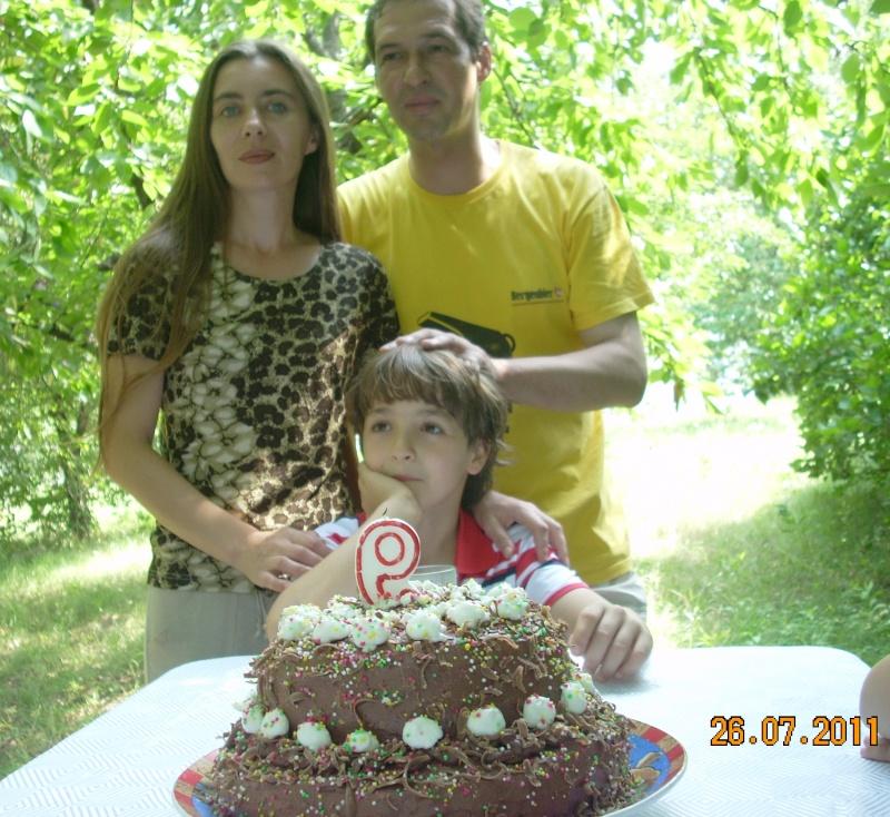 O familie fericita-familia Apetroaie-azi Tudorel a implinit 9 ani. Ziua_l11