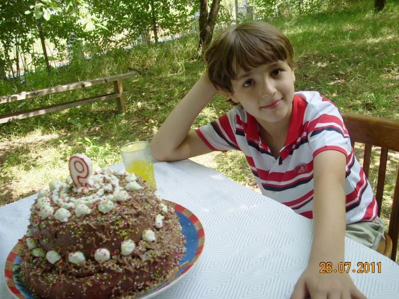 O familie fericita-familia Apetroaie-azi Tudorel a implinit 9 ani. Ziua_l14