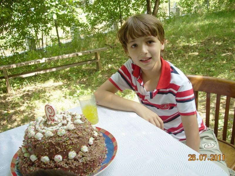 O familie fericita-familia Apetroaie-azi Tudorel a implinit 9 ani. Ziua_l15