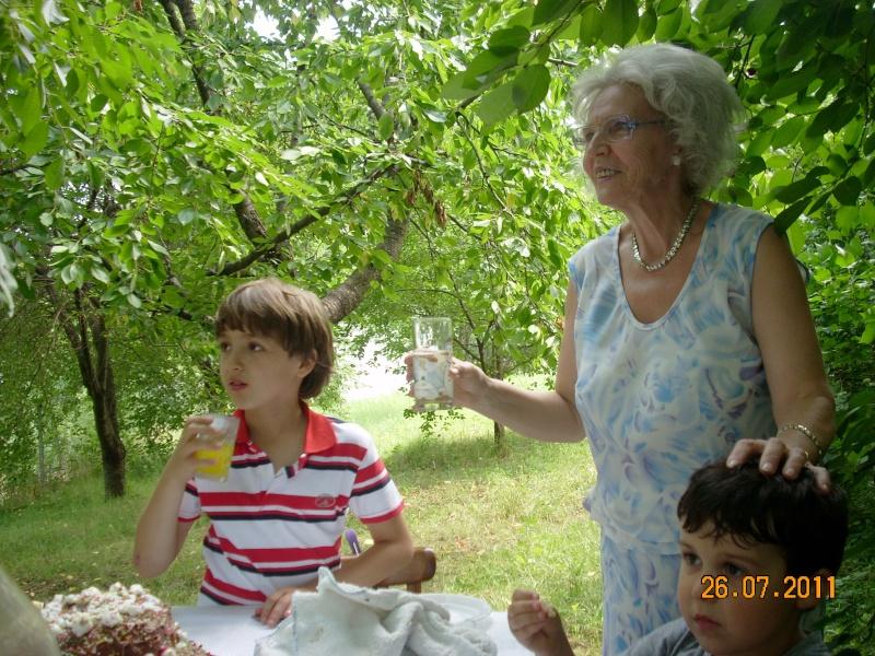 O familie fericita-familia Apetroaie-azi Tudorel a implinit 9 ani. Ziua_l25