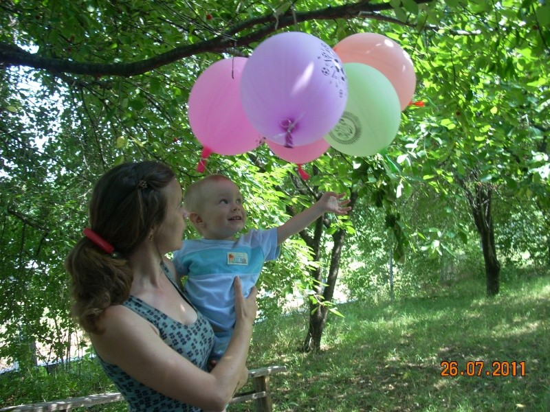 O familie fericita-familia Apetroaie-azi Tudorel a implinit 9 ani. Ziua_l27