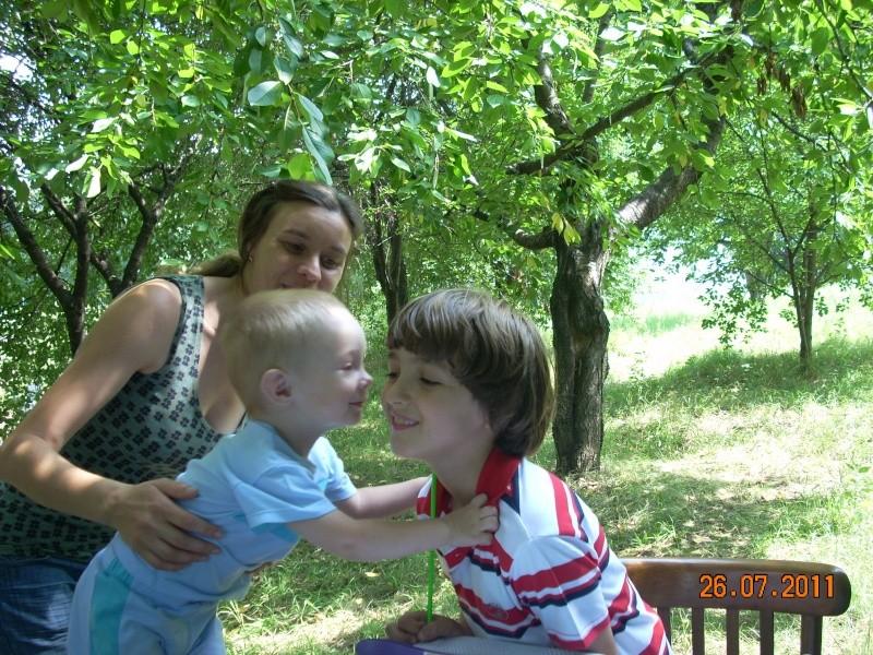 O familie fericita-familia Apetroaie-azi Tudorel a implinit 9 ani. Ziua_l29