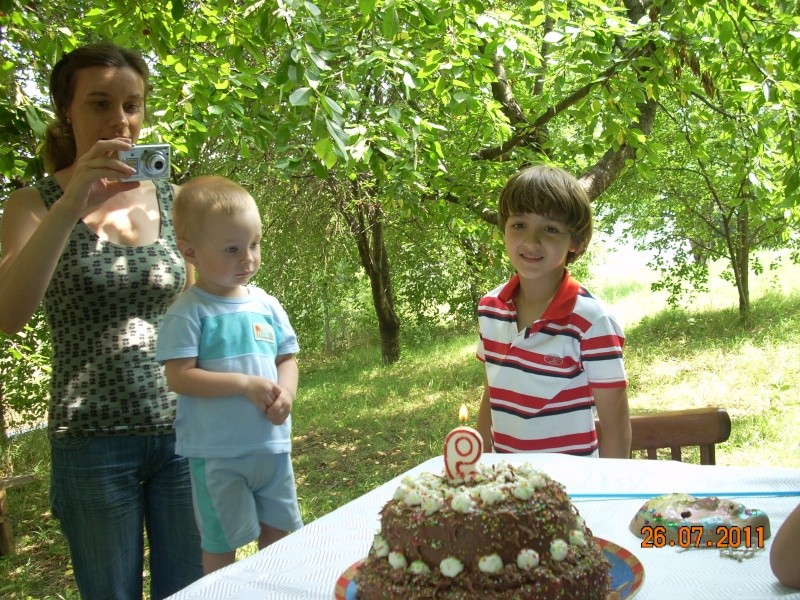 O familie fericita-familia Apetroaie-azi Tudorel a implinit 9 ani. Ziua_l31