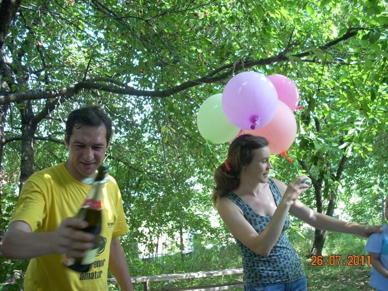 O familie fericita-familia Apetroaie-azi Tudorel a implinit 9 ani. Ziua_l33
