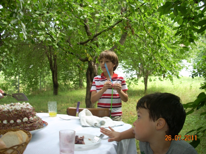 O familie fericita-familia Apetroaie-azi Tudorel a implinit 9 ani. Ziua_l36