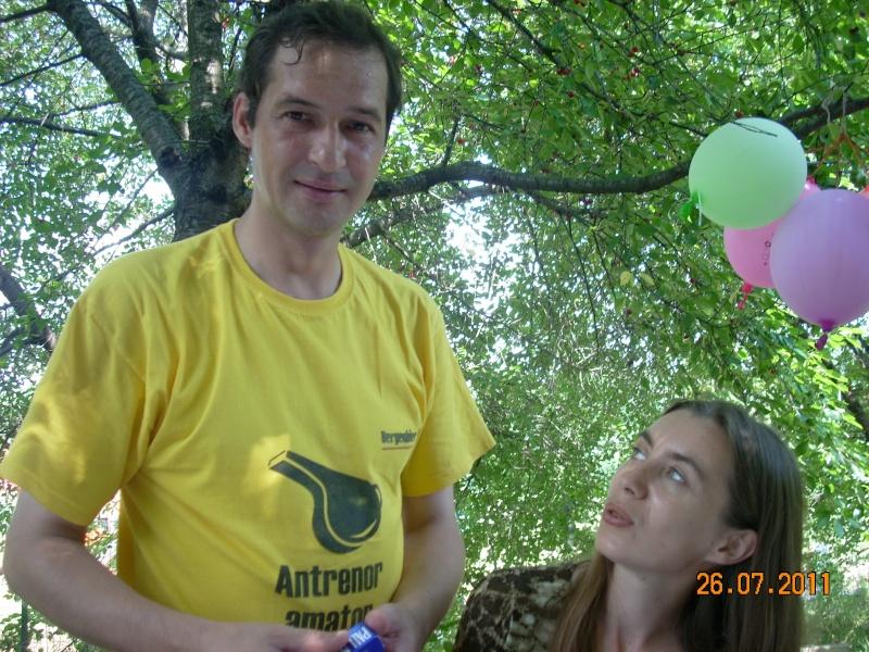 O familie fericita-familia Apetroaie-azi Tudorel a implinit 9 ani. Ziua_l45