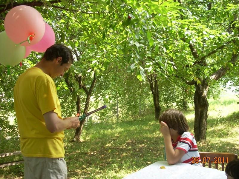O familie fericita-familia Apetroaie-azi Tudorel a implinit 9 ani. Ziua_l52