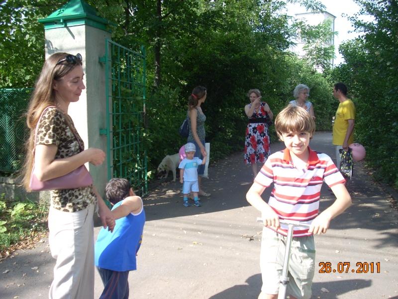 O familie fericita-familia Apetroaie-azi Tudorel a implinit 9 ani. Ziua_l57