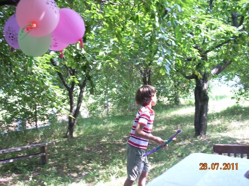 O familie fericita-familia Apetroaie-azi Tudorel a implinit 9 ani. Ziua_l64