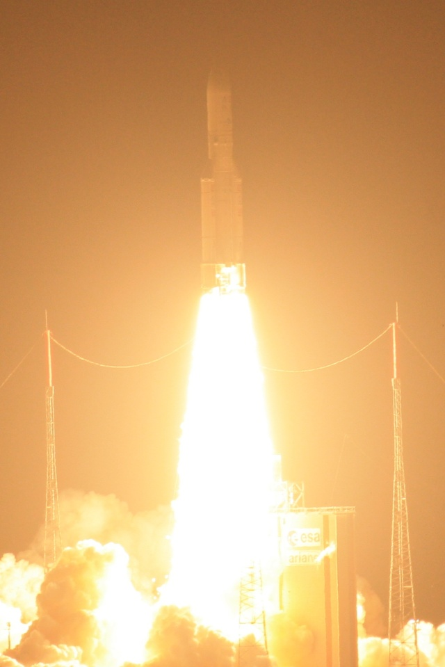 Ariane 5 ECA VA203 / ASTRA 1N + BSAT-3c - (06/08/11) - Page 5 Img_5614