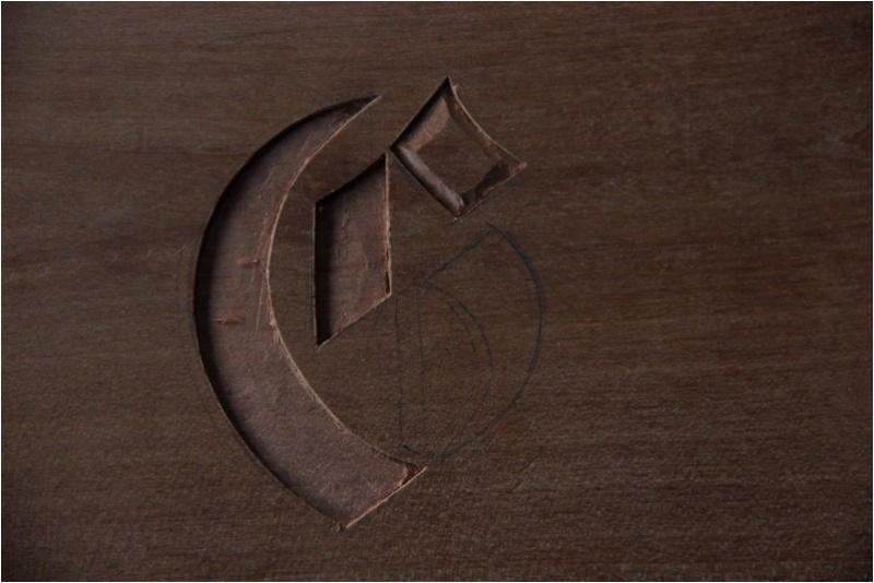 Insertion d'un monogramme dans une traverse basse  Img_0121