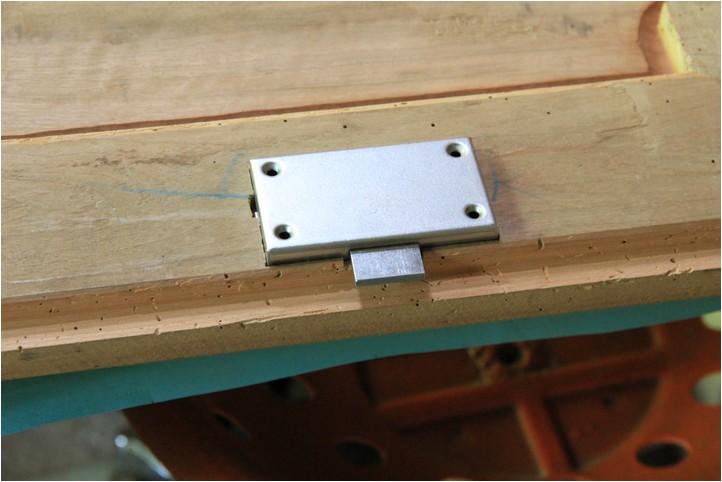 Confiturier : la porte, moulure et réparation Img_2110