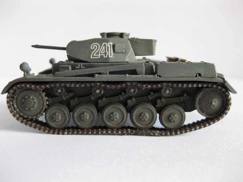 PzKpfw II Ausf.F [ Revell; 1/76]: En route pour la Lybie ! FINI Photo259