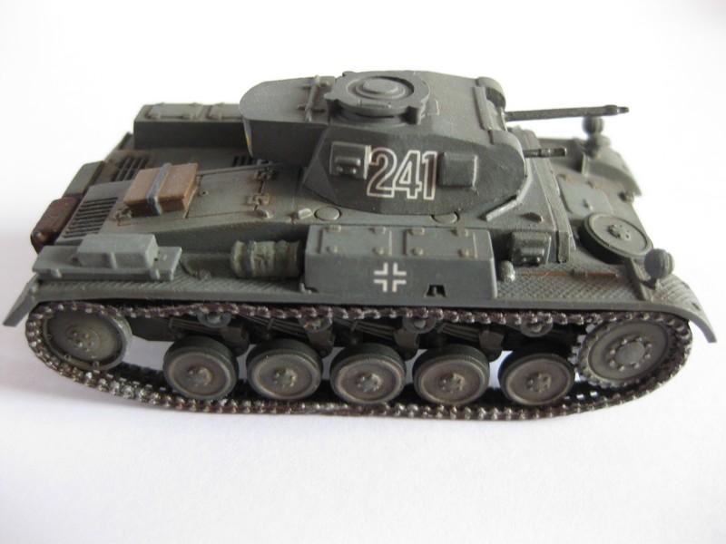 PzKpfw II Ausf.F [ Revell; 1/76]: En route pour la Lybie ! FINI Photo261