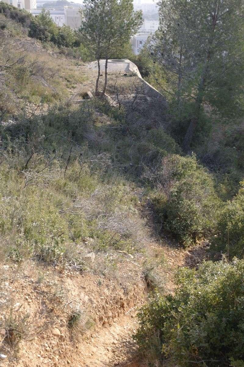 hier en ballade j'ai fait des photos de gros bunker a martigues  _sam0410
