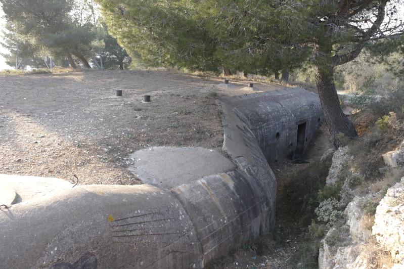 hier en ballade j'ai fait des photos de gros bunker a martigues  _sam0413
