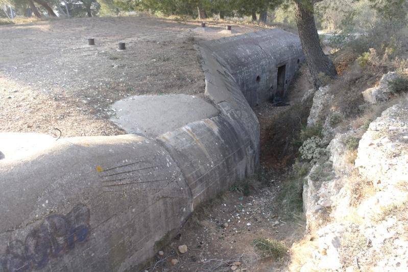 hier en ballade j'ai fait des photos de gros bunker a martigues  _sam0414