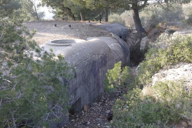 hier en ballade j'ai fait des photos de gros bunker a martigues  _sam0415