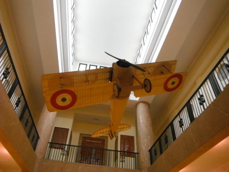 journée du patrimoine du dimanche 18 septembre 2011 a l'ecole de l'air de  salon de provence .(textes+photos+videos) Dscf0414