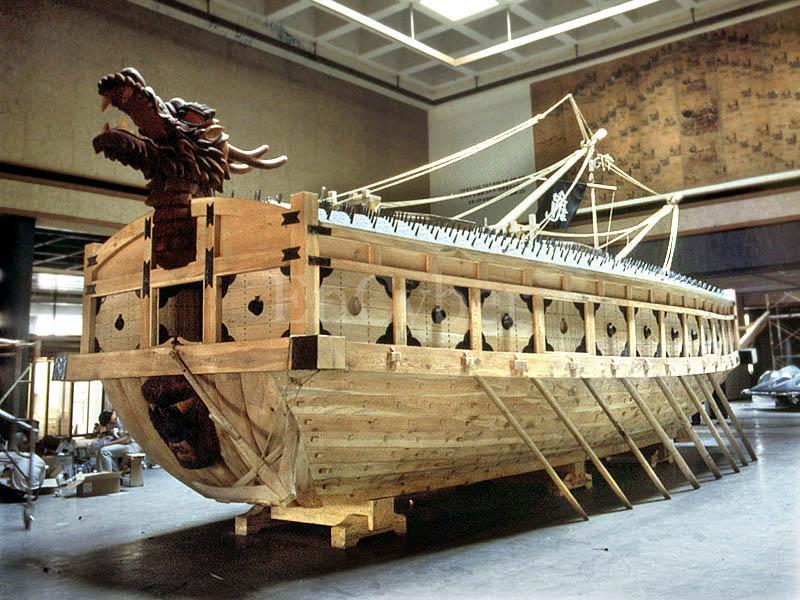La bataille navale de No Ryang est la dernière bataille de la guerre Imjin, qui oppose la Corée de la dynastie Chosŏn et la Chine de la dynastie Ming à l'empire japonais de Hideyoshi Toyotomi de 1592 à 1598.bataille fondatrice de la corée . Kobuks10