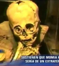 Une momie qui prouve l'existence des extraterrestres ? Une-mo10