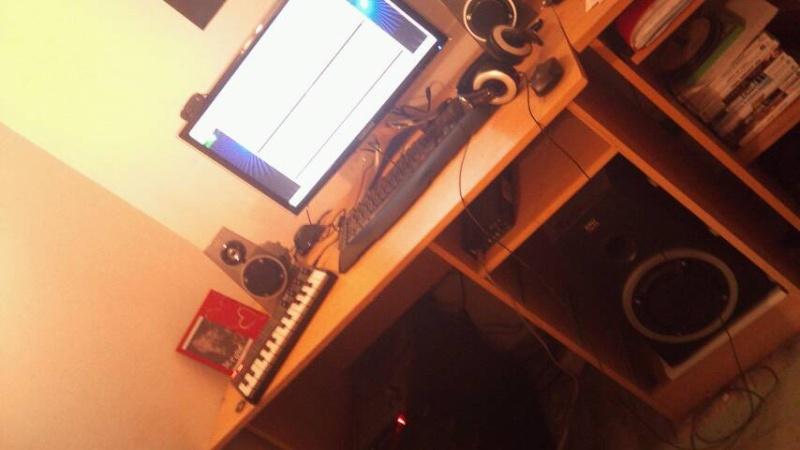 Votre Studio - Page 4 Cache_10