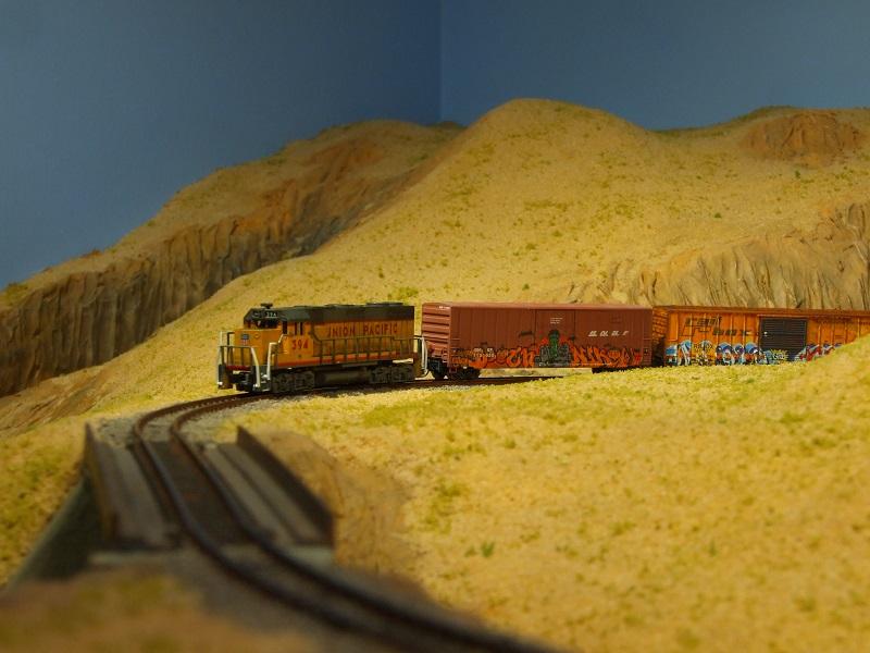 The Happy Loop Railroad - Page 9 Dscf5010