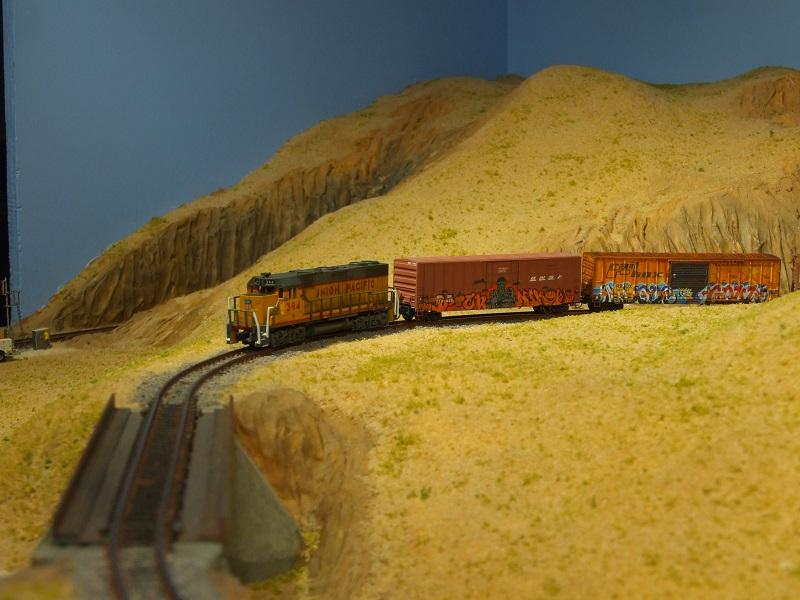 The Happy Loop Railroad - Page 9 Dscf5012