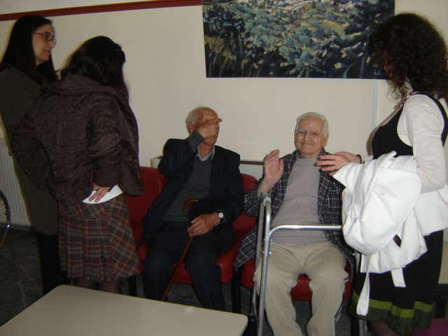 Επίσκεψη μελών και φίλων του Συλλόγου στο Γηροκομείο Νεάπολης. Dsc04020