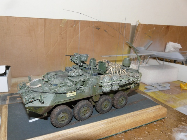 M1130 Stryter Commmand Venicle  1-35 scale - Page 4 P1070012