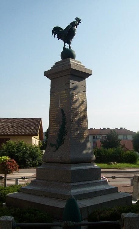 [Histoires et Histoire] Monuments aux morts originaux Français Tome 1 - Page 4 100_1311