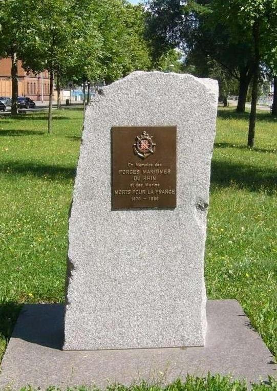 [Histoires et Histoire] Monuments aux morts originaux Français Tome 1 - Page 2 Monu10