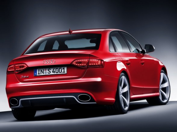 Audi RS4 2012 Audirs10