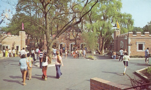 "SPECIAL FEATURE: From ""Hershey Park"" to ""Hersheypark"" - A Look from 1971 to 1973 Hershe12"