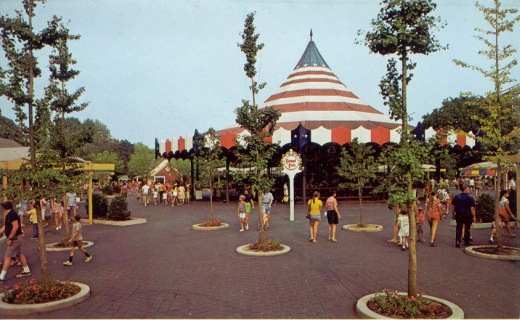 "SPECIAL FEATURE: From ""Hershey Park"" to ""Hersheypark"" - A Look from 1971 to 1973 Hershe14"