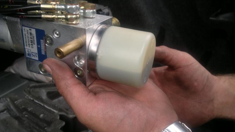 [Résolu]Problème pompe hydraulique 21072010
