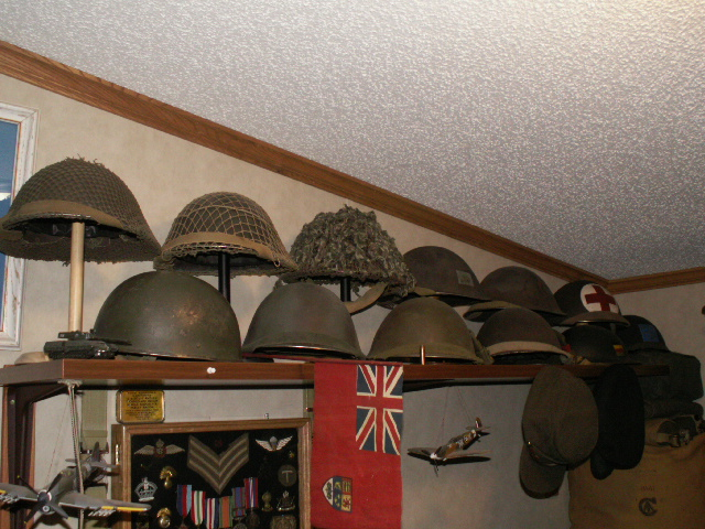 How to display hats and helmets 01710