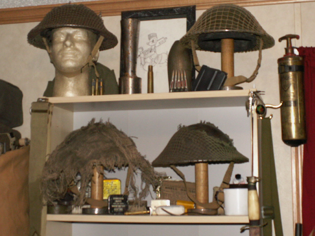 How to display hats and helmets 01812