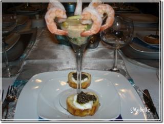 Cocktail de crevettes sauce piquante au raifort et à la roquette 09010