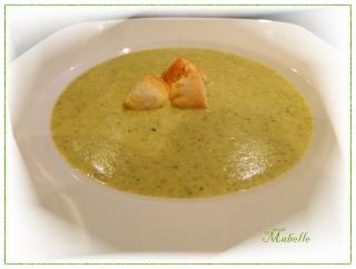 Soupe au brocoli et au fromage Dscn1835