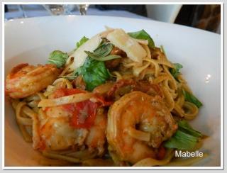 Linguines de crevettes sautées, pesto de chardonnay et chorizo croustillant  Lingui13