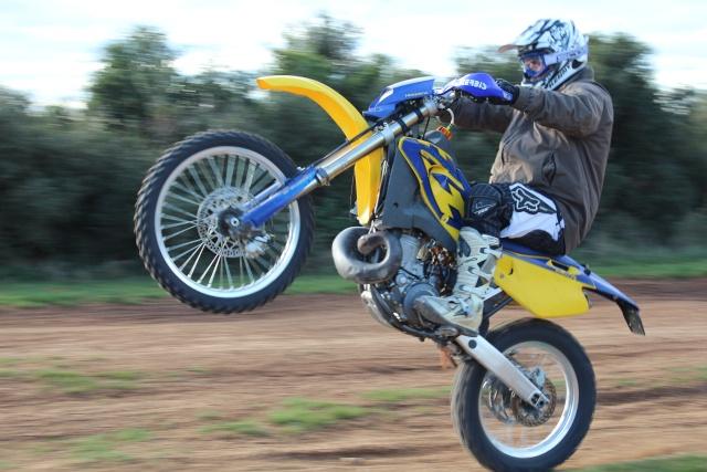 photo de vos moto pour création bannière Img_5113