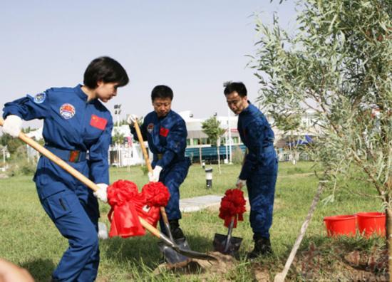 16 juin 2012 - Shenzhou 9 : nouveau vol Chinois habité 53437110