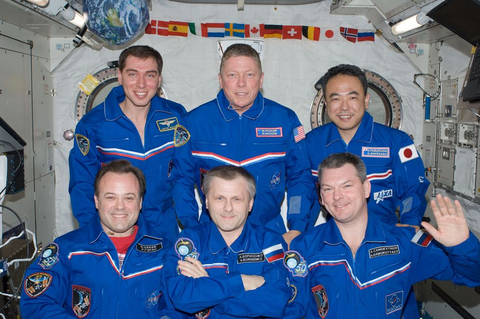 Expedition 28 Iss02810