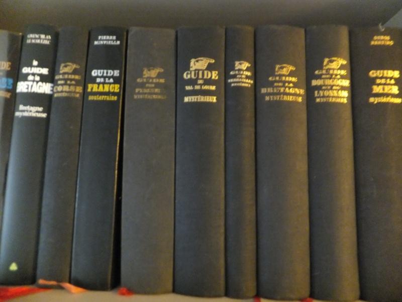 Quels sont les livres les plus étonnants/remarquables de votre bibliothèque ? - Page 2 Livre_11