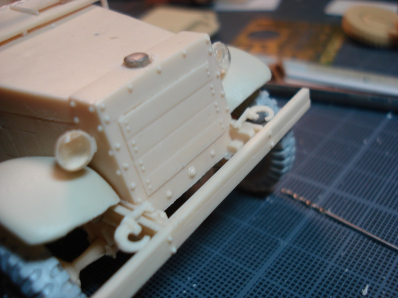 montage kit 1/35 scout car T7  - Page 2 Dsc06835