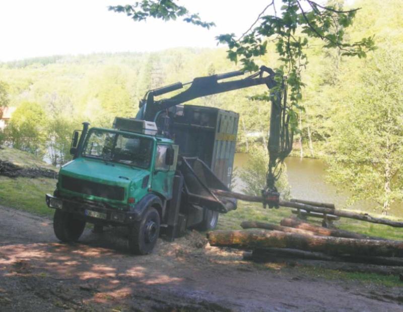 unimog mb-trac wf-trac pour utilisation forestière dans le monde - Page 5 Broyeu11