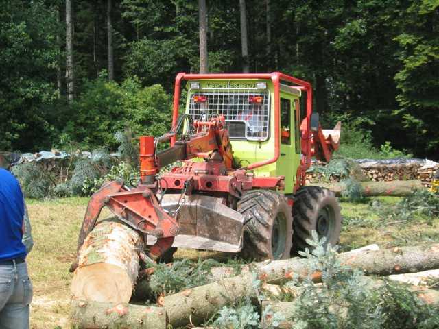 unimog mb-trac wf-trac pour utilisation forestière dans le monde - Page 5 Img_0110