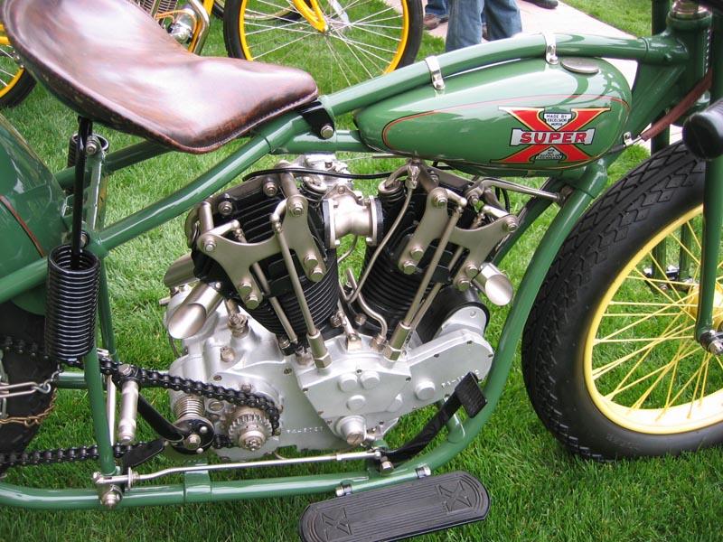 les plus beaux moteurs - Page 4 Img_8412