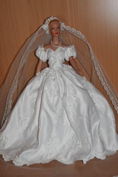 Les poupées mariées - Page 3 17_avr10